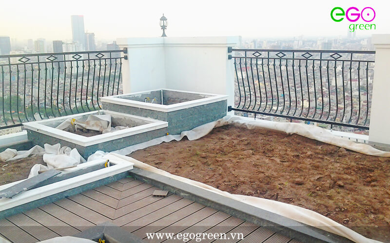 Thi công cảnh quan xanh vườn trên mái - ROYAL CITY
